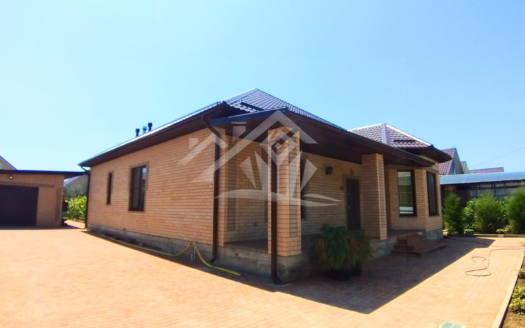 Новый красивый дом в пгт Ильском.